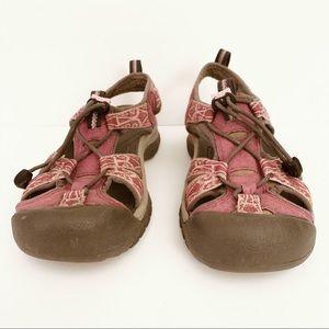 KEEN Women's 7 Gray Pink Hiking Sandals.